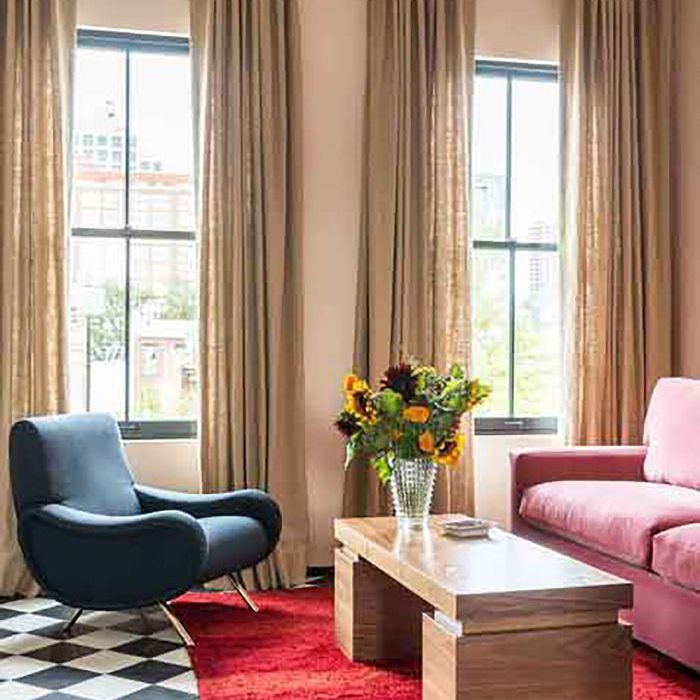 8 colorful living rooms