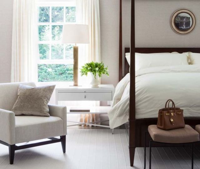Small Bedroom Chairs To Put Your Empty Corner To Good Use