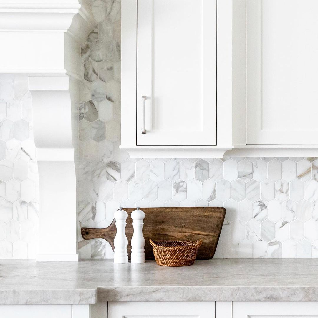 23 marble backsplash ideas that fit any