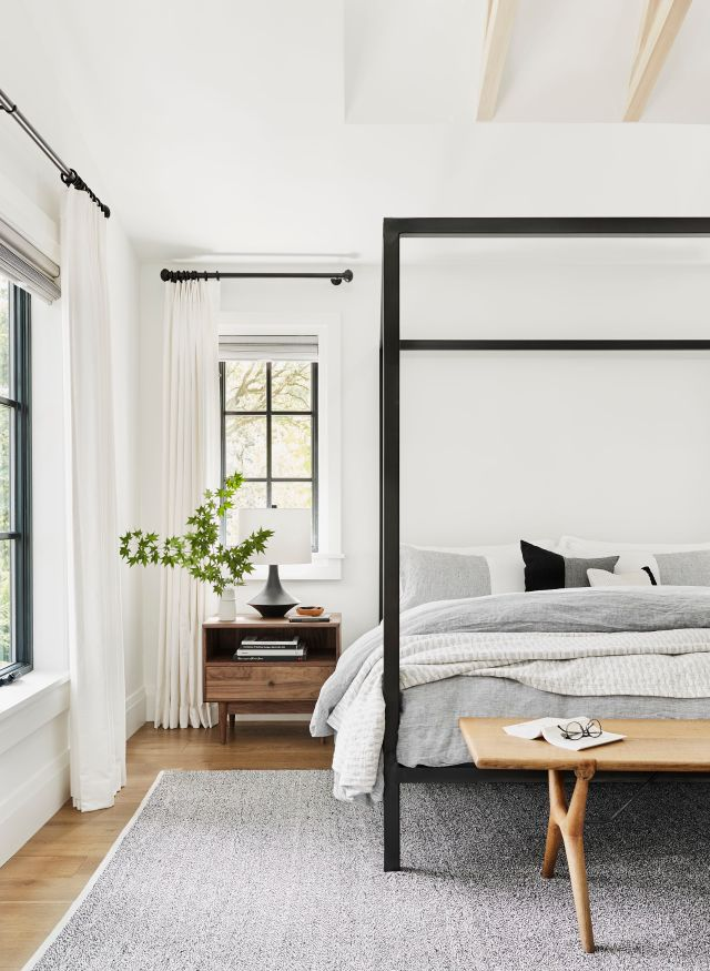 17 Beautiful Gray And White Bedrooms