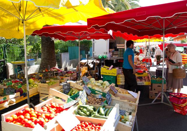 Market in Saint Cyprien