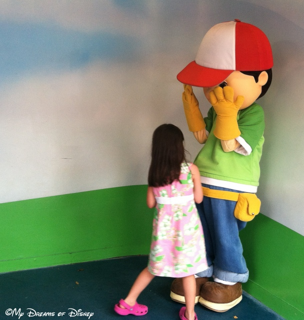Handy Manny was scared by Sofie!