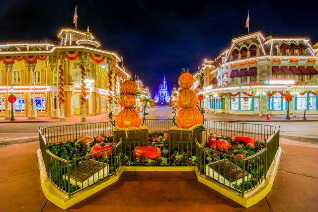 Special thanks to Andre from WDW Shutterbug for sharing his art with us!