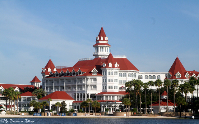 The Grand Floridian Resort & Spa beckons to us from the Seven Seas Lagoon!