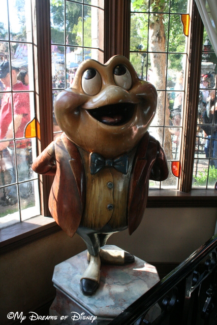 Mr. Toad's Wild Ride is a great attraction that is needed back at WDW!