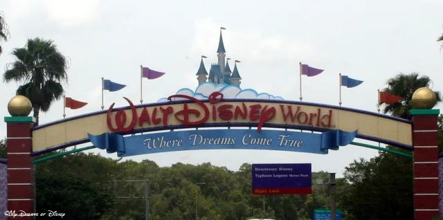 Is there anything more fun than seeing the WDW Entrance sign when you arrive at Disney?