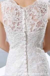 Button Down Back Trumpet Wedding Dresses with Lace Flowers