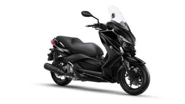2015-Yamaha-X-MAX-250-ABS-EU-Midnight-Black-Studio-001