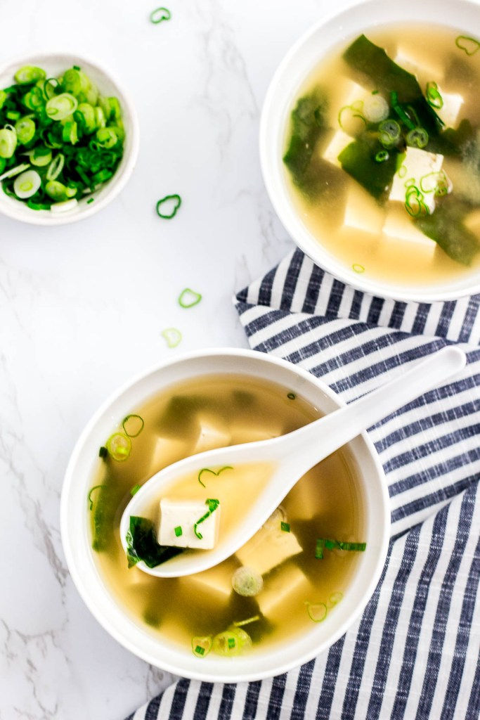 vegan miso soup made without bonito flakes
