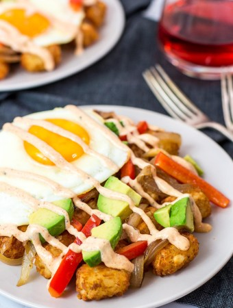 close up shot of tater tot breakfast hash