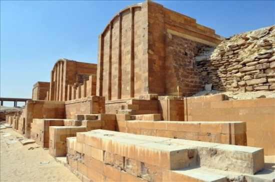 Private excursion: Memphis and Sakkara Half Day Trip