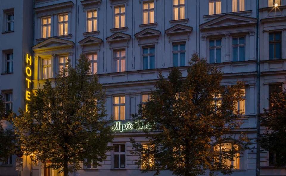 """Myer's Hotel Berlin""的图片搜索结果"
