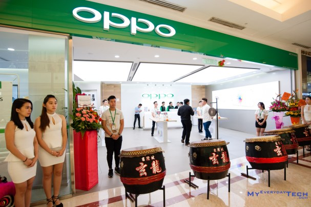OPPO Flagship Store - 01