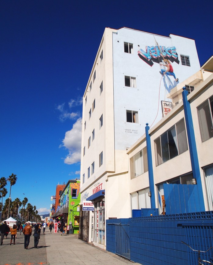Guide to visiting Venice Beach like a California local.