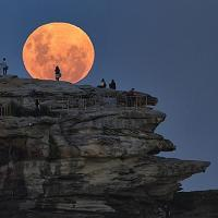Super Moon Rise: How to add a special touch to any destination