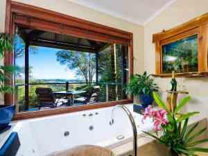 Deluxe Cottage Maleny - Romantic Escapes near Brisbane