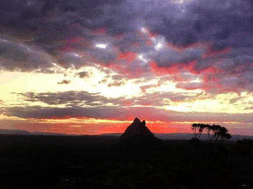 Best Brisbane Sunset Top of Ngungun Glasshouse Mountains
