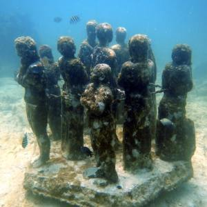 The MUSA Diving Cancun Underwater Museum - Manchones Reef - Statues