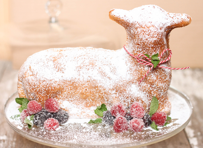 decorated 3D stand-up spring lamb cake from The Farmwife Cooks