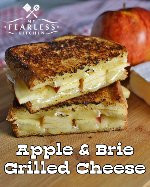 grilled cheese sandwich made with apples and brie cheese
