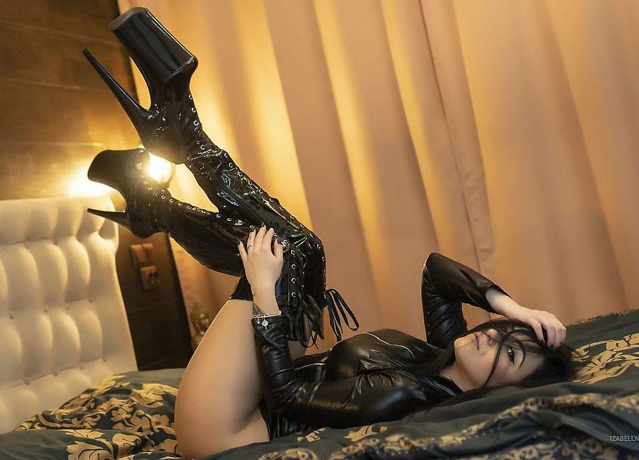 kinky boots dominatrix izabellnoir