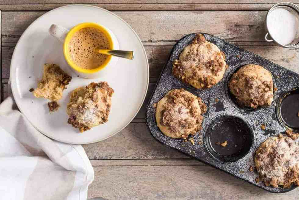 Cinnamon Roll Muffins with Crunchy Streusel Top