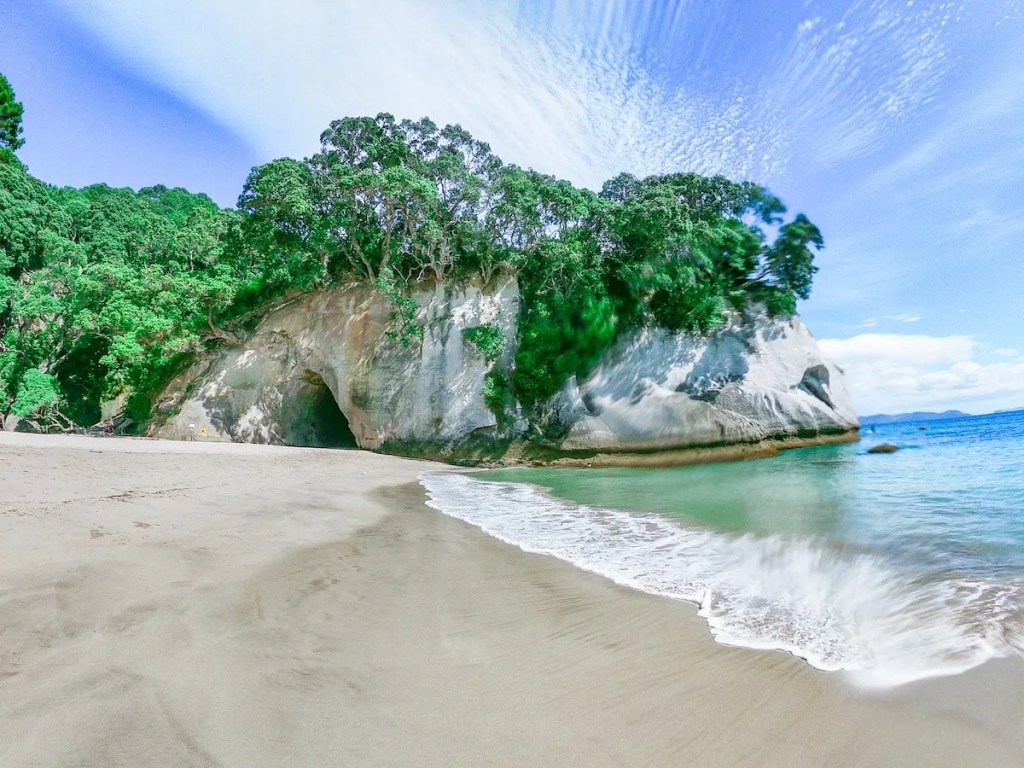 Best places to visit in the North Island, New Zealand - Cathedral Cove