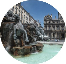MyFrenchLife™ - MyFrenchLife.org - Lyon health and wellbeing - Lyon city guide - health and wellbeing guide - Place des Terreaux