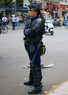 MyFrenchLife™ - workplace discrimination - French policewoman
