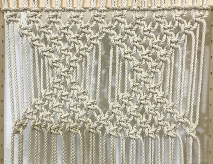 DIY folding macrame screen - myfrenchtwist.com