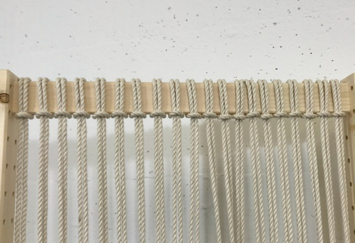 DIY macrame folding screen - myfrenchtwist.com