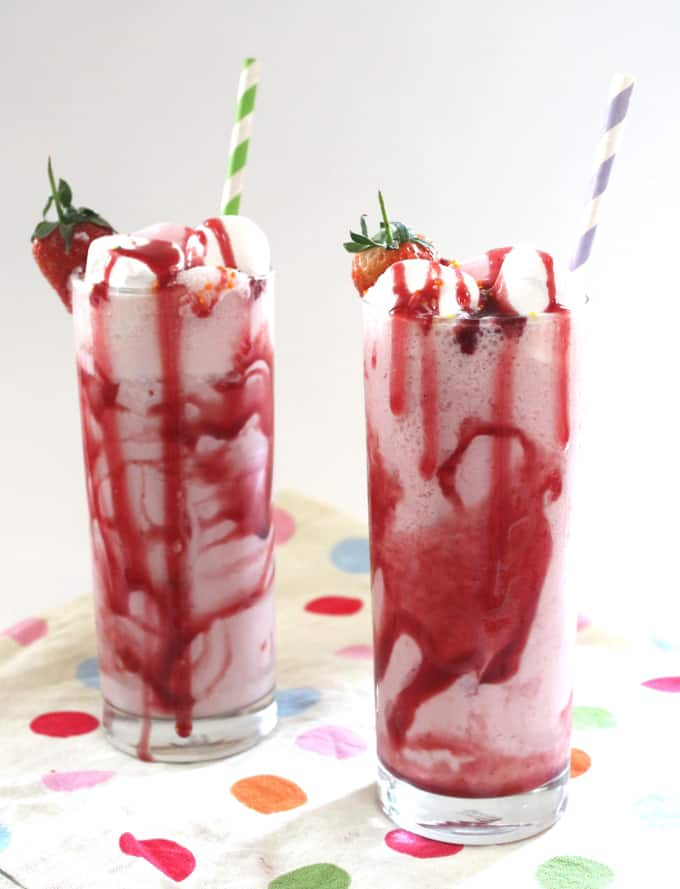 strawberry frozen yogurt milkshake