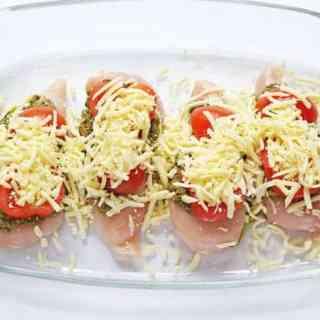 Mozzarella Tomato & Basil Pesto Chicken