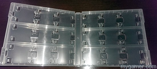 Clear plastic. Simple.  Club Nintendo 18 Card Case Review (3DS/DS) Club Nintendo 18 Card Case Review (3DS/DS) Case Clear