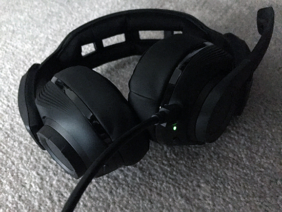 sennheiser gsp 670 (ps4) headset review Sennheiser GSP 670 (PS4) Headset Review Sennheiser GSP670 11 green light