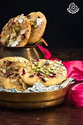 Rajasthani Mawa Kachori Recipe