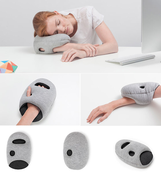 mini quick nap pillow for travellers