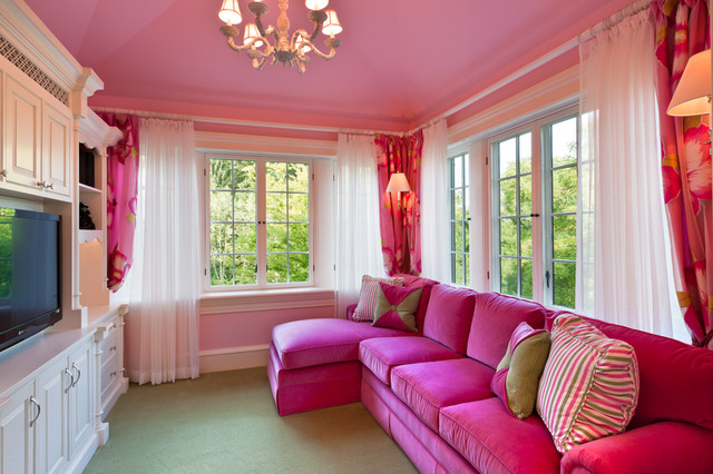 green and red living room tips on how to decorate a pink with accents decor design prev more