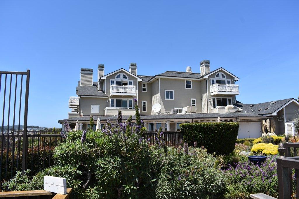 Facade of the Beach House in Half Moon Bay