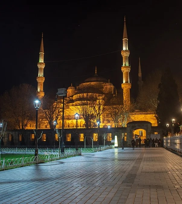 The Blue Mosque is a spectacular sight to see at night