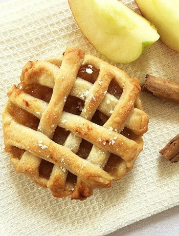 Vegan mini apple pies
