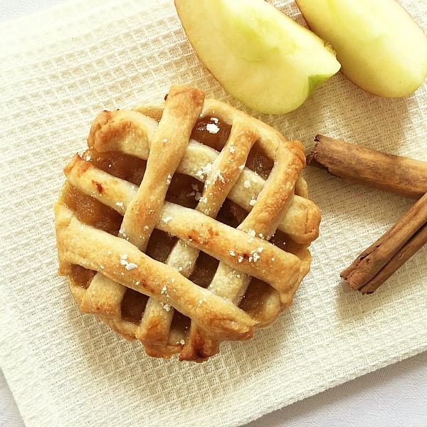 Vegan mini apple pies