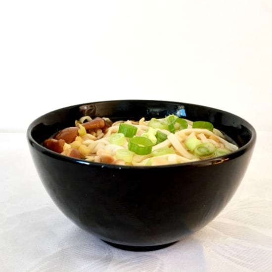 Japanese udon noodle soup recipe with shiitake mushrooms