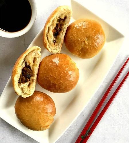 Dim sum buns with mushroom filling