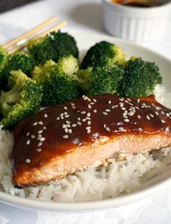 Baked Teriyaki Salmon with garlicky broccoli on a bed of rice