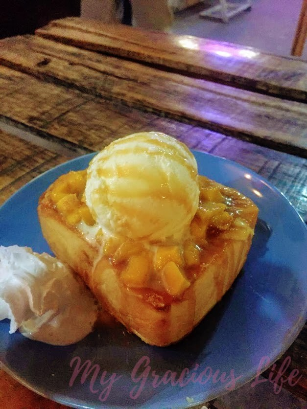 hubbys mango toast with ice cream
