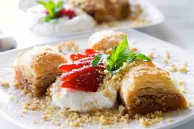 Baklava Recipe (Greek Walnut, Pistachio and Syrup cake)-1