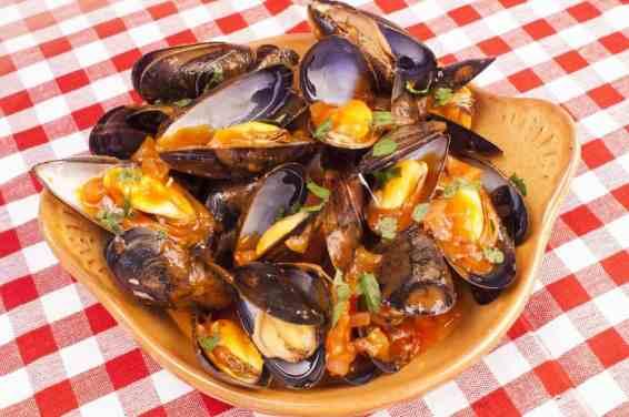 Mussels Saganaki (Midia Saganaki)