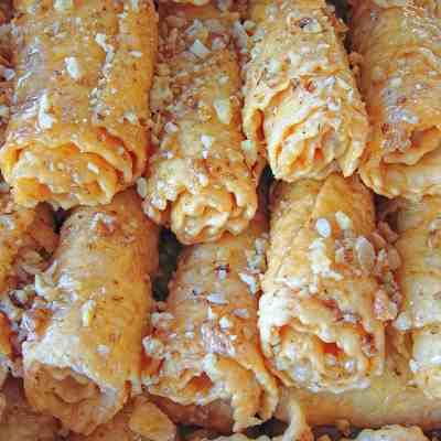 Greek Diples Recipe (Christmas Greek Pastry with Honey)