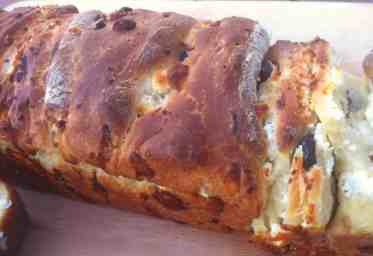 Delicious Olive Bread (Liopsomo)